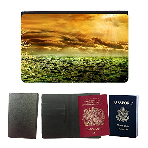 passeport-voyage-couverture-protector-m00155563-sunbeam-afterglow-morgenrot-pond-universal-passport-