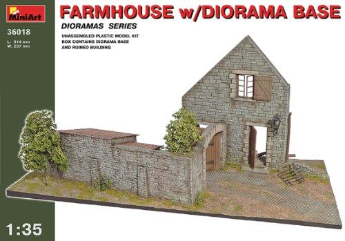 Mini Art Plastics Farmhouse with Diorama Base