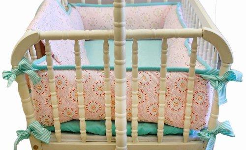 Great Pinwheel Punch Cradle Bedding