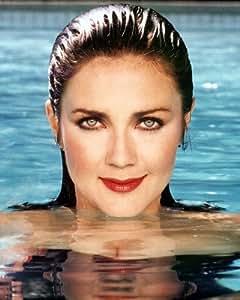 Lynda Carter stunning pose with wet hair in swimming pool