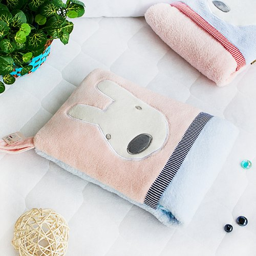 [Pink Rabbit] Fleece Throw Blanket Pillow Cushion / Travel Pillow Blanket (28.3 by 35.1 inches)