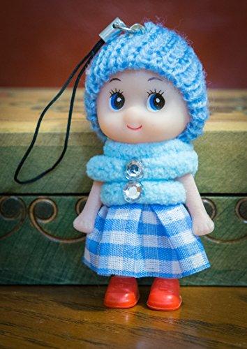 Ciondolo portachiavi a forma di bambolina carina con gonna in lana, stivali e pompon, in morbido cotone lavorato a maglia, con pietre sintetiche, blu, 8cm heads to toes
