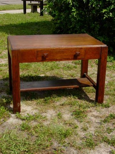 Arts & Crafts/Mission Oak Library Table/Northwestern Manufacturing Co