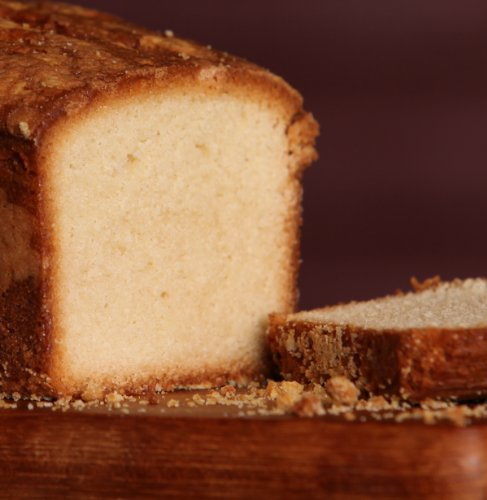 Old-Fashioned Pound Cake - Medium