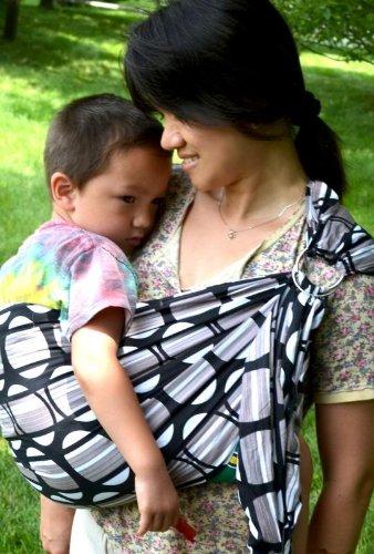 Lite-On-Shoulder Baby Sling front-185747