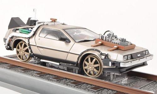 De Lorean DMC-12, Back to the Future III, Schienenversion, Modellauto, Fertigmodell, Sun Star 1:18