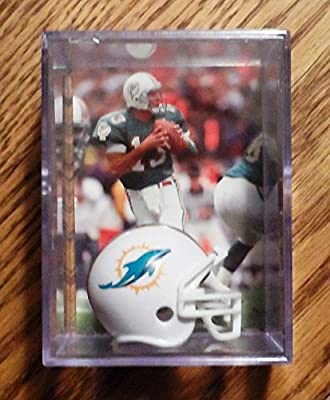 Dan Marino Miami Dolphins Trading Card & Mini-Helmet Display