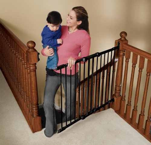 Kidco Angle Mount Safeway Gate (Black)