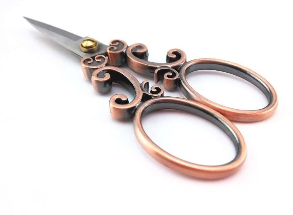 yueton Vintage European Style Needlework Embroidery Scissors (Copper) 3