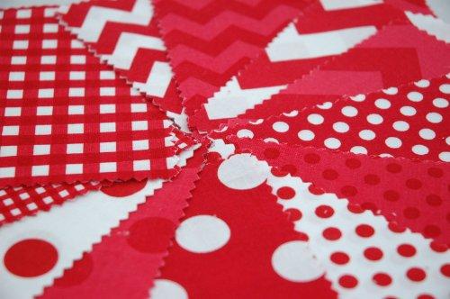 Riley Blake 24 piezas BASIC rojo Chevron Gingham tela de lunares de pincel doble tela para pulsera de cuadrados de estilo moderno para coser juego de - rojo y blanco - 12,5 x 12,5 cm unidades acolchado unidades (12,7 cm x 12,7 cm)