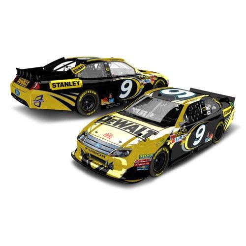 Amazon.com: #9 Marcos Ambrose 2012 DeWalt Color Chrome 1/24 NASCAR