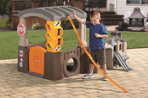 Race 'n Re-Fuel Pit Stop Playhouse