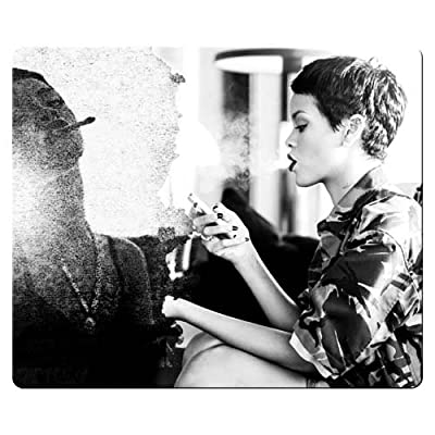 26x21cm 10x8inch mousemat rubber cloth Creative Painting personal computer Rihanna