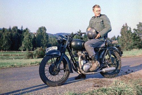 steve-mcqueen-on-motorbike-the-great-escape-rare-11x17-mini-poster