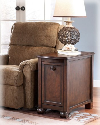 Image of Chairside End Table by Ashley Furniture (Set of 2) (T496-7-SET)