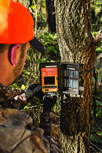 Bushnell-8MP-Trophy-Cam-HD-Wireless-Black-LED-Trail-Camera-with-Night-Vision