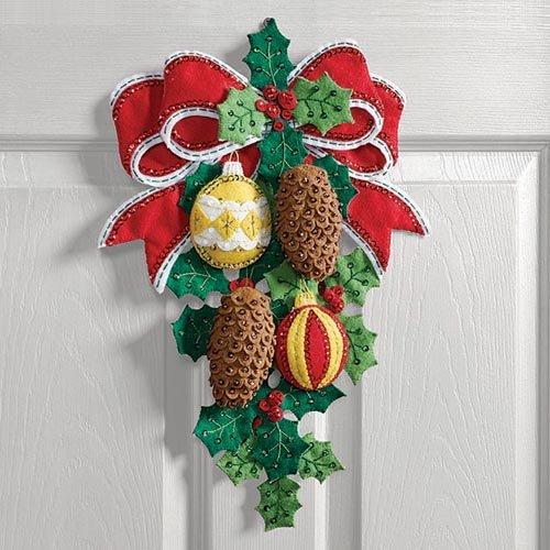 Bucilla Pinecones & Holly Felt & Sequin Kit