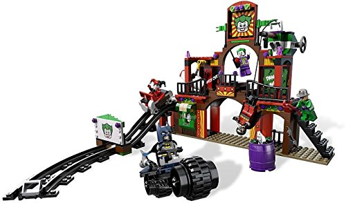 Lego 6857 Exclusive set The Dynamic Duo Funhouse Escape at Gotham City Store