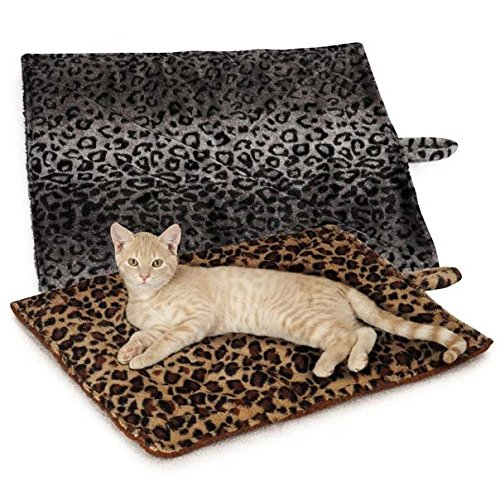 QUALITY THERMAL CAT MAT, Cozy Self Heating Kitty Bed, Warming Bed, Reversible Washable Mat, No Electricity Color Choice: Beige or Grey Quantity Choice: 1 Mat, 2 Mats, 3 Mats, or 4 Mats (4 Mats, Beige)