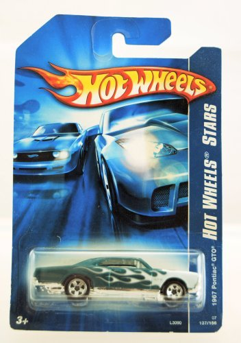 hot-wheels-2007-hot-wheels-stars-1967-pontiac-gto-137-156-green-w-white-flames-limited-edition-colle