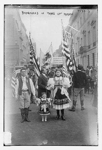 Photo Bohemians in Wake up parade 1900