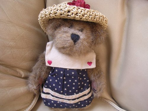 Boyds Bears Bearware ; Caroline Mayflower - 1