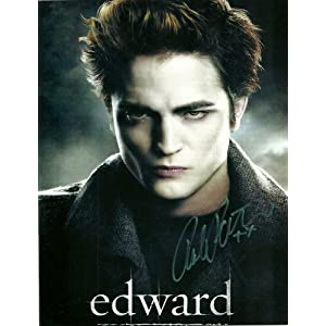 TWILIGHT ROBERT PATTINSON AS EDWARD BRILLIANT AUTOGRAPHED 8 X 10 PHOTO