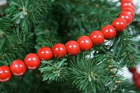 Red Wooden Bead Christmas Tree Garland