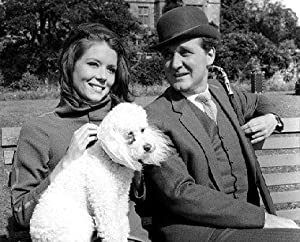 PATRICK MACNEE AS JOHN WICKHAM GASCONE BERRESFORD STEED, DIANA RIGG AS EMMA PEEL FROM THE AVENGERS #1 - BLACK & WHITE Movie Photo - (4 Different Photograph & POSTER Sizes Available)