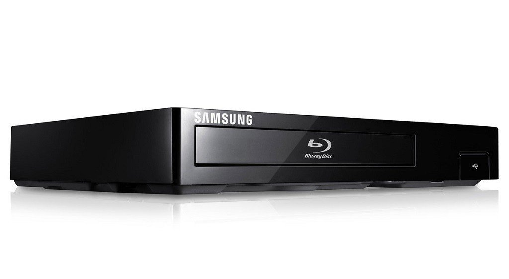 Samsung Smart Blu-ray DVD Disc Player With 1080p Full HD Upconversion, Plays Blu-ray Discs, DVDs & CDs, Plus Superior 6Ft High Speed HDMI Cable, Black Finish