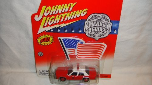 JOHNNY LIGHTNING AMERICAN HEROES 1990 FORD CROWN VICTORIA FIRE CHIEF WITH BONUS WINDOW CLING