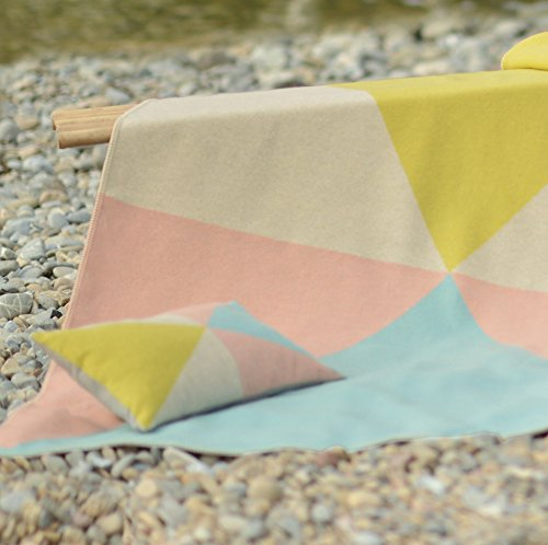 "Kissen SILVRETTA - ""Dreiecke pastell"" pastell 30/50"