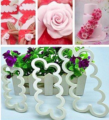 haimoburg-tagliapasta-rosa-veloce-stampo-fiore-piu-semplice-per-realizzare-bordure-fiorali-con-rose-