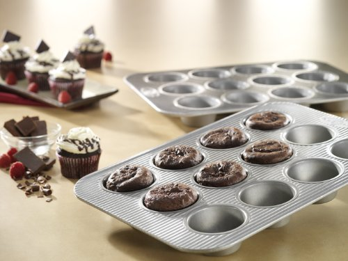 USA-Pan-Bakeware-Aluminized-Steel-Cupcake-and-Muffin-Pan-12-Cup