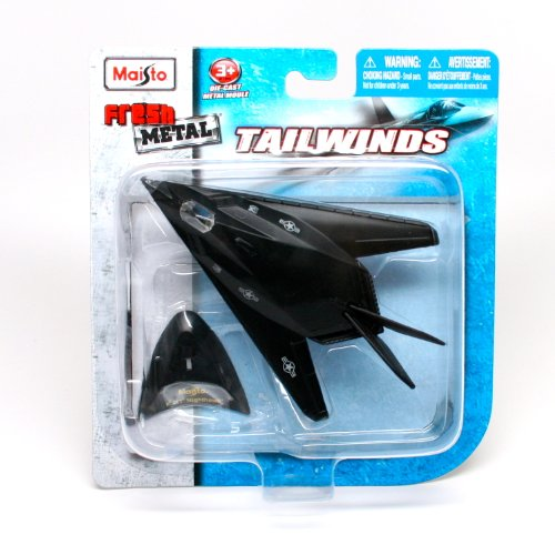 "Maisto Fresh Metal Tailwinds 1:150 Scale Die Cast United States Military Aircraft - U.S. Air Force Stealth Ground Attack Aircraft F-117 Nighthawk with Display Stand (Dimension: 3-1/2"" x 5-1/4"" x 1"")"