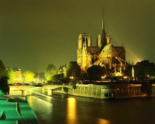 Paris France - A Tourism and Travel Guide to the Romantic City of Paris