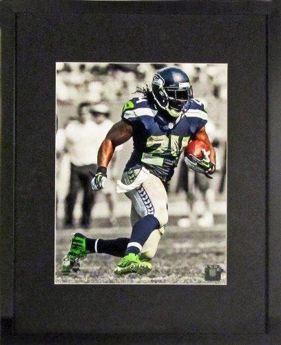 Seattle Seahawks Marshawn Lynch Spotlight 8X10 Photograph (Sga Underfifty Series) Framed