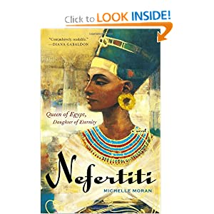 Nefertiti: A Novel [Paperback]