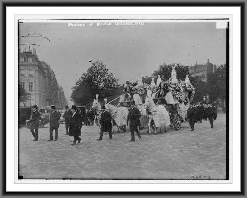 Newswire Photo (S): The funeral of the two children of Isadora Duncan in Paris. 4 horses drawing huge ornate