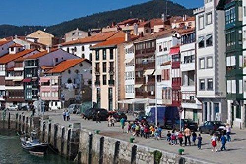 Walter-Bibikow-DanitaDelimont-Spain-Basque-Country-Vizcaya-Lekeitio-Harbor-Photo-Print-x-cm