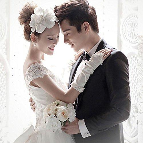ホワイト S ブライダル ウェディングドレス & フラワーヘアアクセサリー のセット商品 ロングトレーン エレガント ハッスルライン かわいいリボン