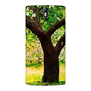 Delighted Green New Tree Back Case Cover for One Plus One