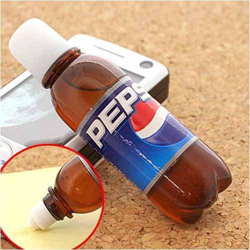 本物みたいなペットボトル型水のり(ペプシ)