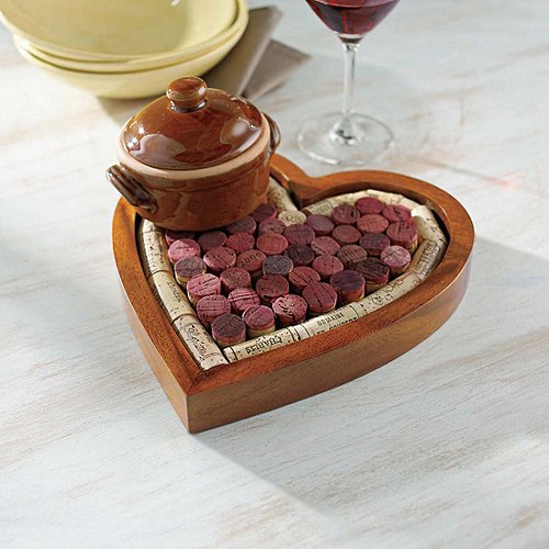 Wine Enthusiast Heart Shaped Corkboard/Cork Trivet Kit