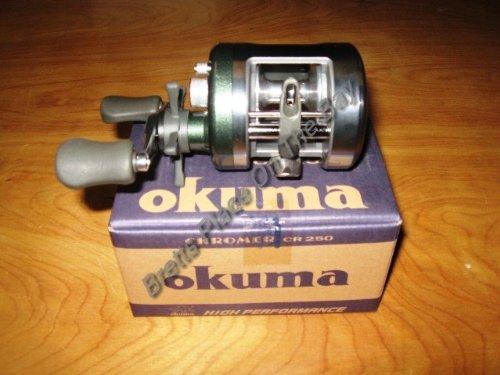 Okuma Chromer Round Baitcasting Reel (270-Yards/10)