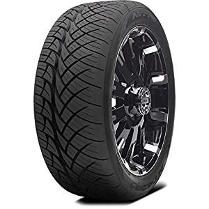 Nitto (Series NT 420S) 305-50-20 Radial Tire