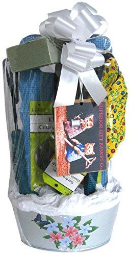 Superior gift basket co gardening tool set gift package for Gardening tools gift basket