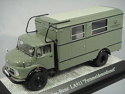 ebbro-1-43-mercedes-benz-l911-deutsche-post-06251