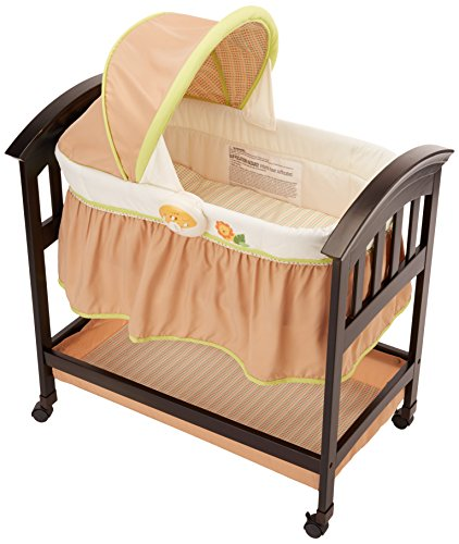 Summer Infant Classic Comfort Wood Bassinet, Swingin' Safari