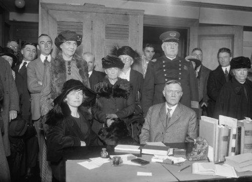 1922 photo Mrs. McSweeney hearing, 11/15/22